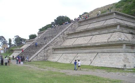 cholulai-nagy-piramis